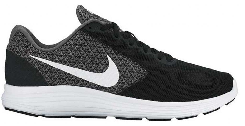 f8a0d9f19b2 Nike Revolution 3